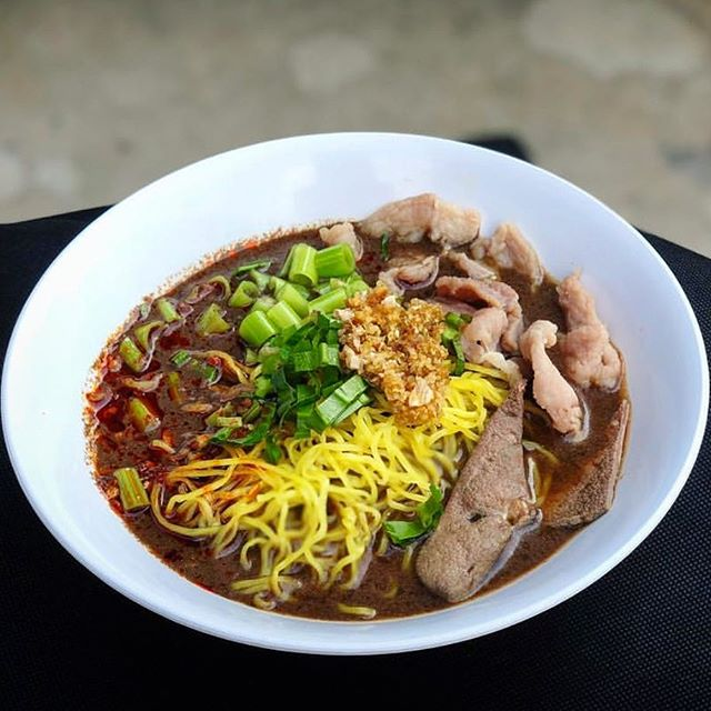Choice of your favorite noodle + the soup and toppings you like. You get everything you love ❤️ in one bowl #yourbowlyourway