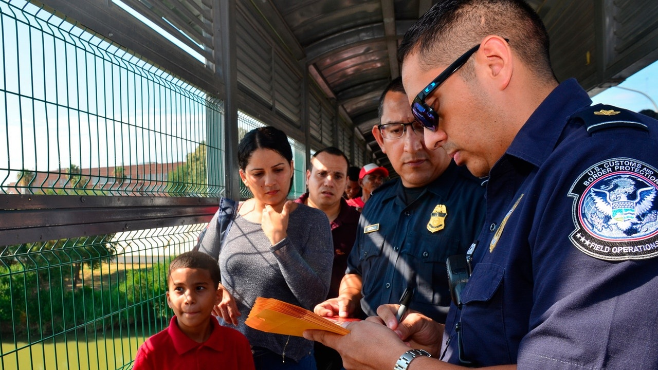 Salvador Gonzalez / AP