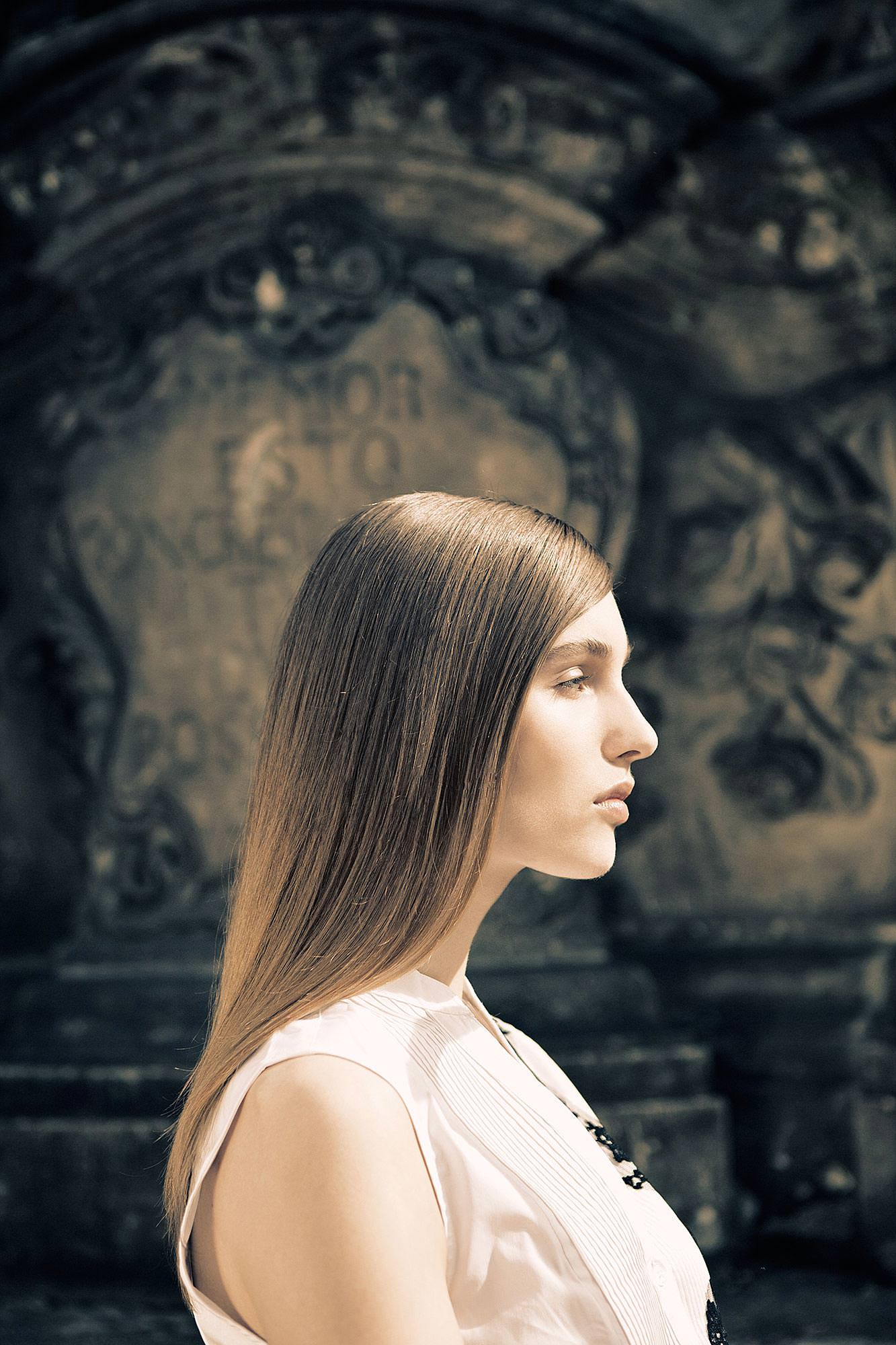 Hairstyle female Model Brunette