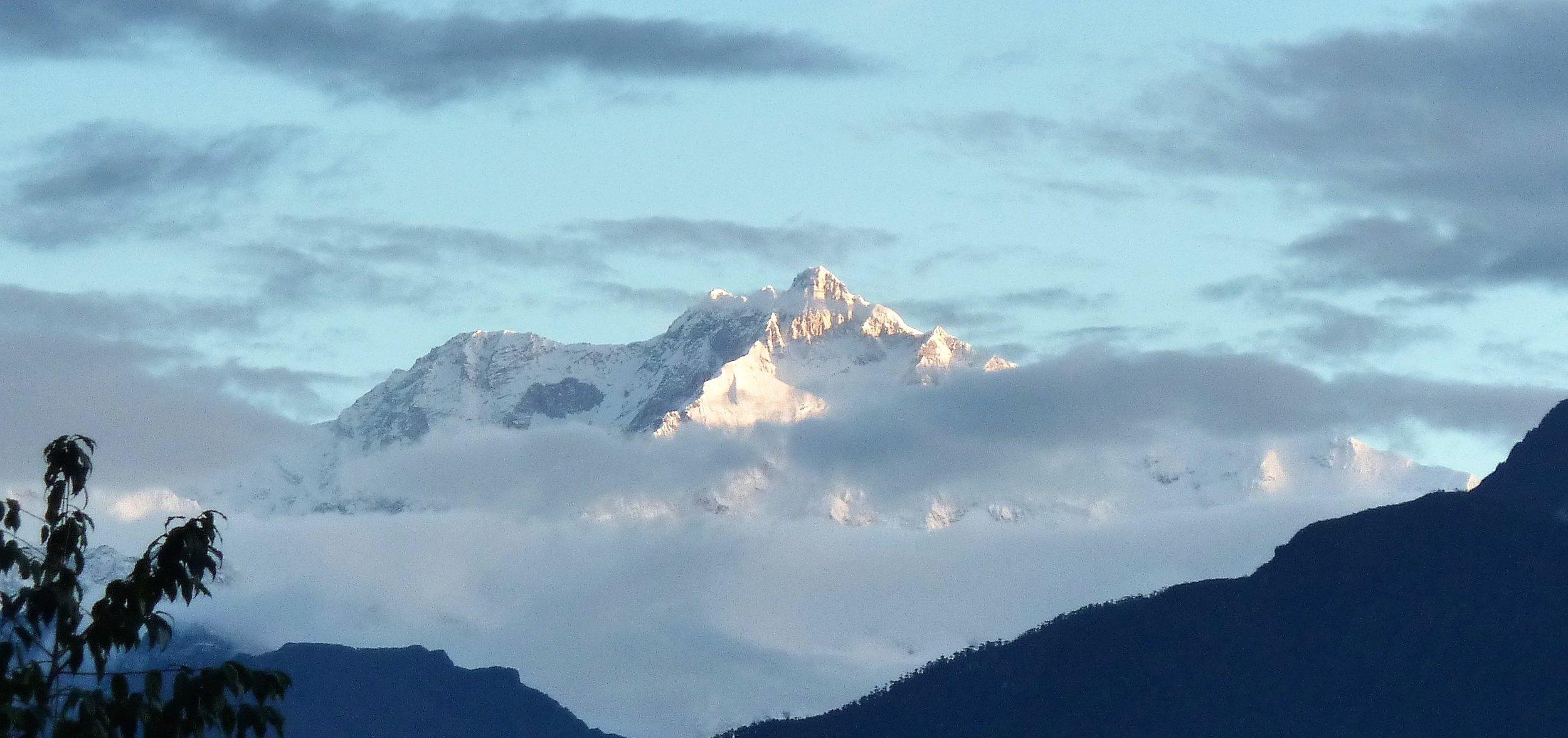 I Sikkim ligger berget Khangchendzonga 8585 m