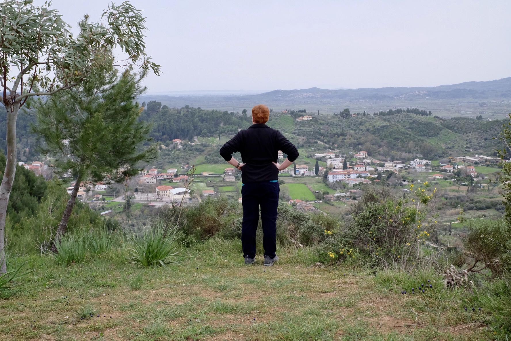 Utsikt mot Olympiabyn från kullens topp.