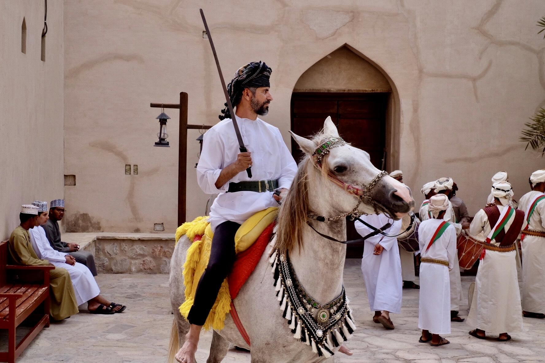 En stolt Omani till häst