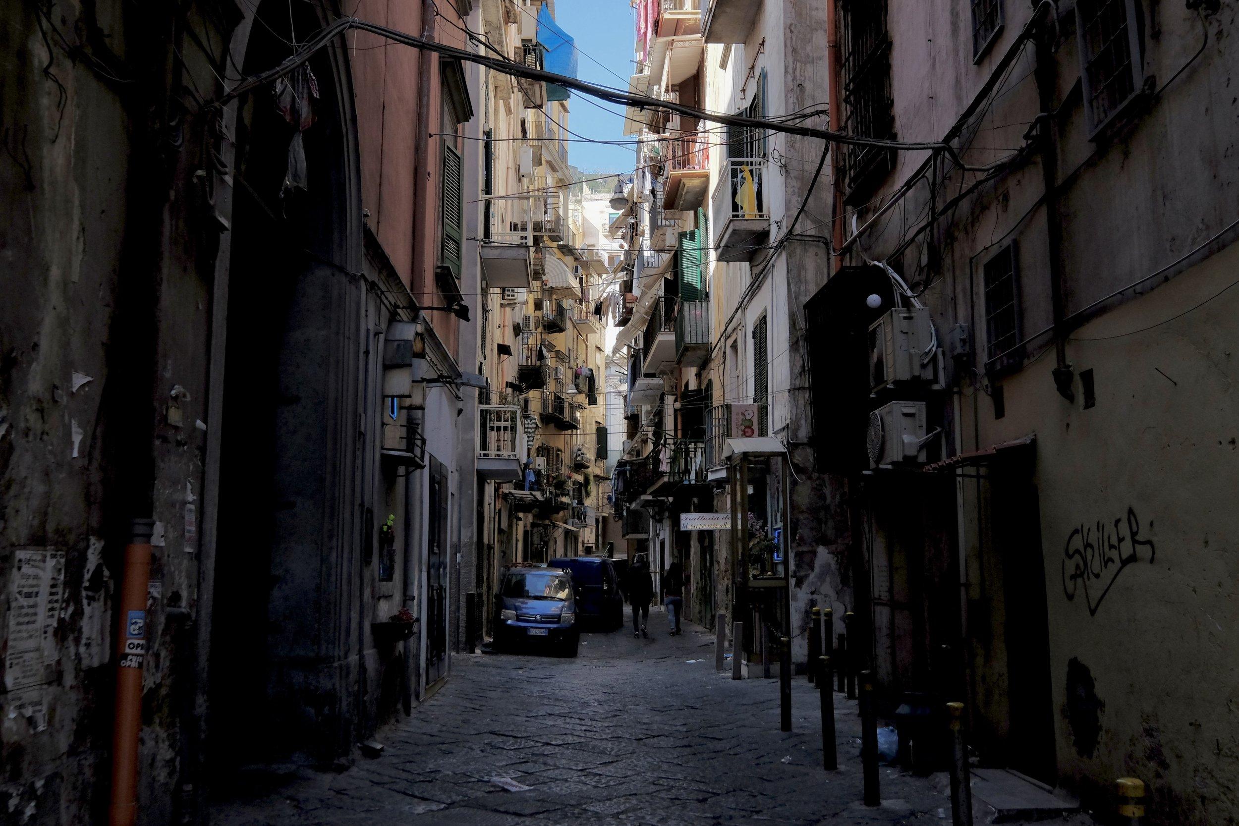 Trånga gränder i Neapel