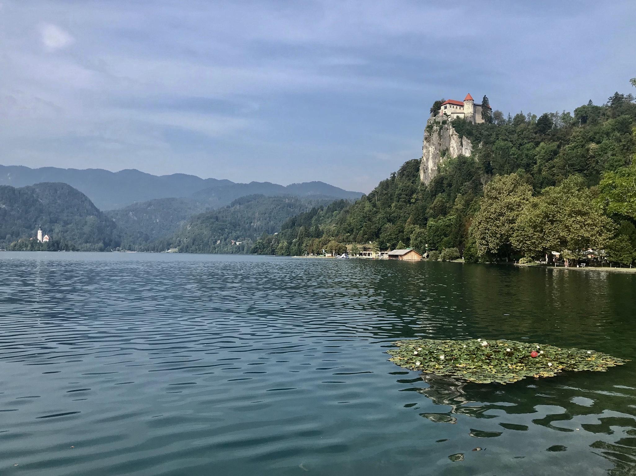 Bledsjön med slottet på klippan