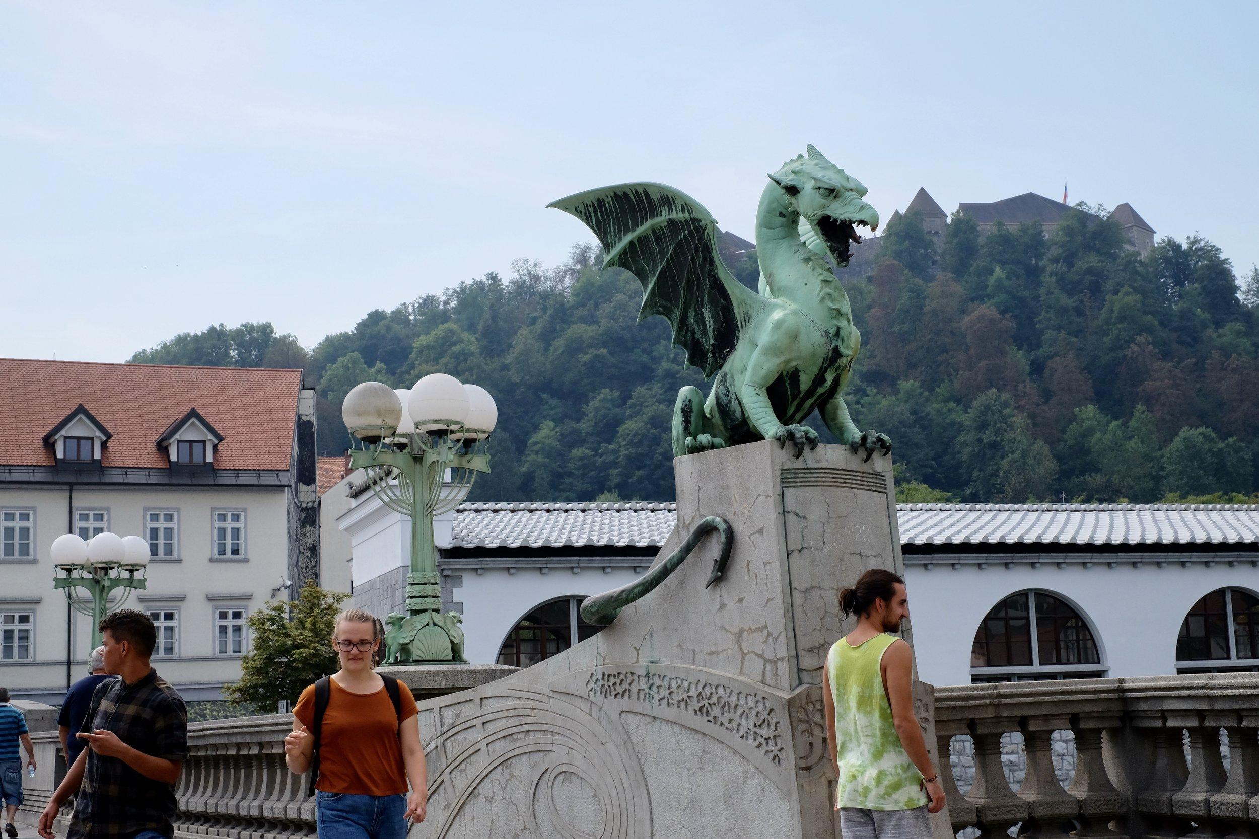 Drakbron med slottet på borgkullen
