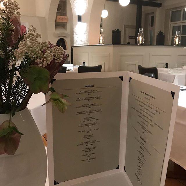 Hvis klassisk Dansk og Fransk frokost lige er dig, så tøv ikke med et besøg på Thude's.Fra Torsdag den.2 maj holder vi frokost åbnet. Ses.