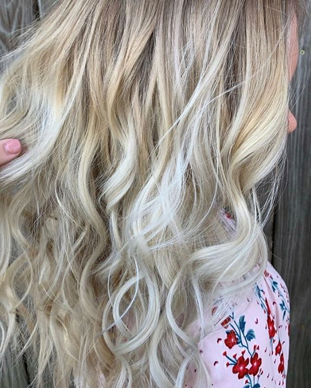 O M G. These curls + this color 👏 . . . Gorgeous balayage work by @addy_isabelle13 . . . . #babylightsandbalayage #balayagehair #hairtrends #livedinhair #livedincolor #hairinspired #atlantastylist #atlhairstylist #blondebalayage #blondehighlights #dimensionalblonde #blondespecialist #exploregeorgia #atlantahair #atlantahairstylist #prettyhair #beachwavehair #prettyblondehair #trendyhairstyles #springhaircolor #springfashion2019 #happyhair #healthyblondehair #blondebabes #brondehair #partialhighlights #balayagehighlights #babylights #portlandbalayage #labalayage