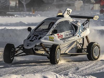 #15 Ilari Sääskilahti - Seura: VaToSUAAuto: Speedcar Xtrem / Suzuki