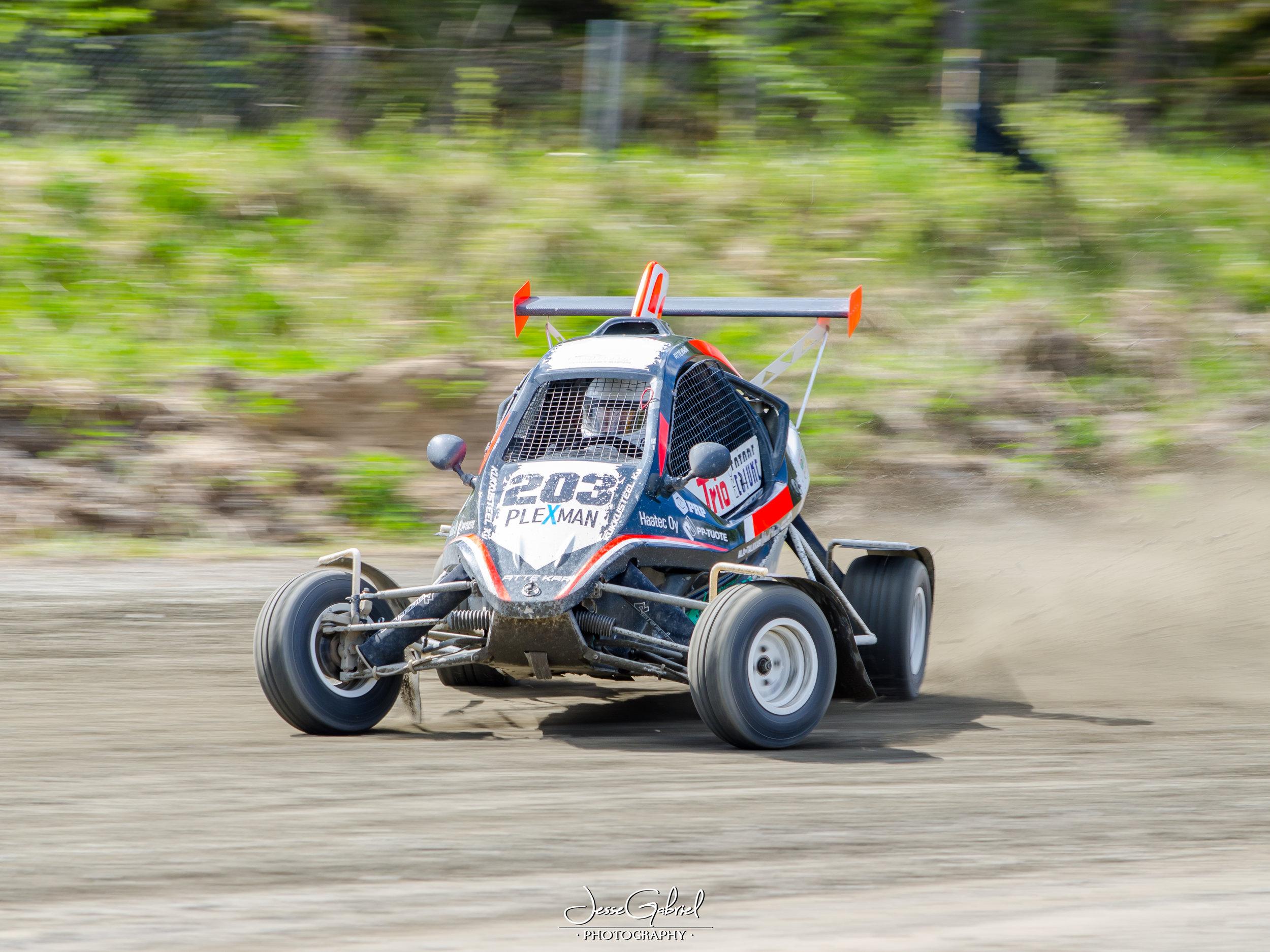 # 203 Atte Kari - Seura: KvanUAAuto: Speedcar Xtrem / Suzuki
