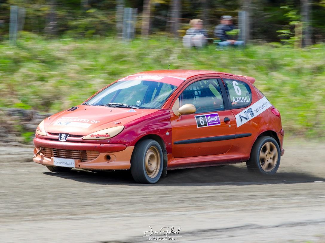 #6 Aarne Muhli - Seura: HyUAAuto: Peugeot 206