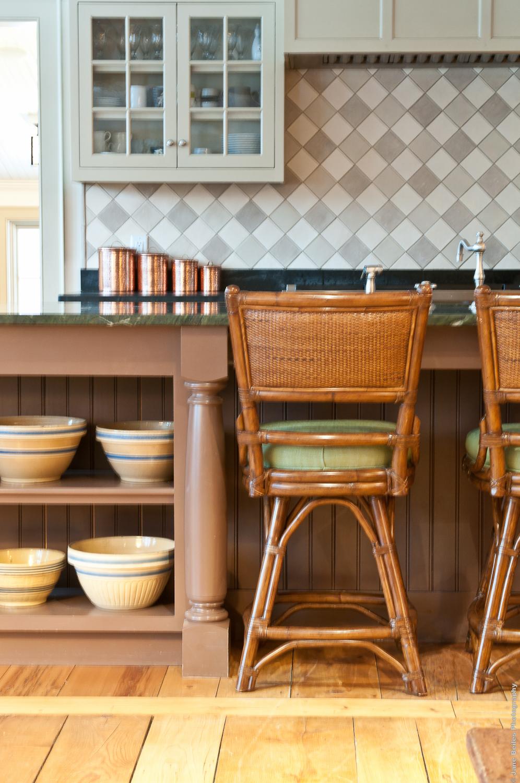 Kitchen Breakfast Bar.jpg