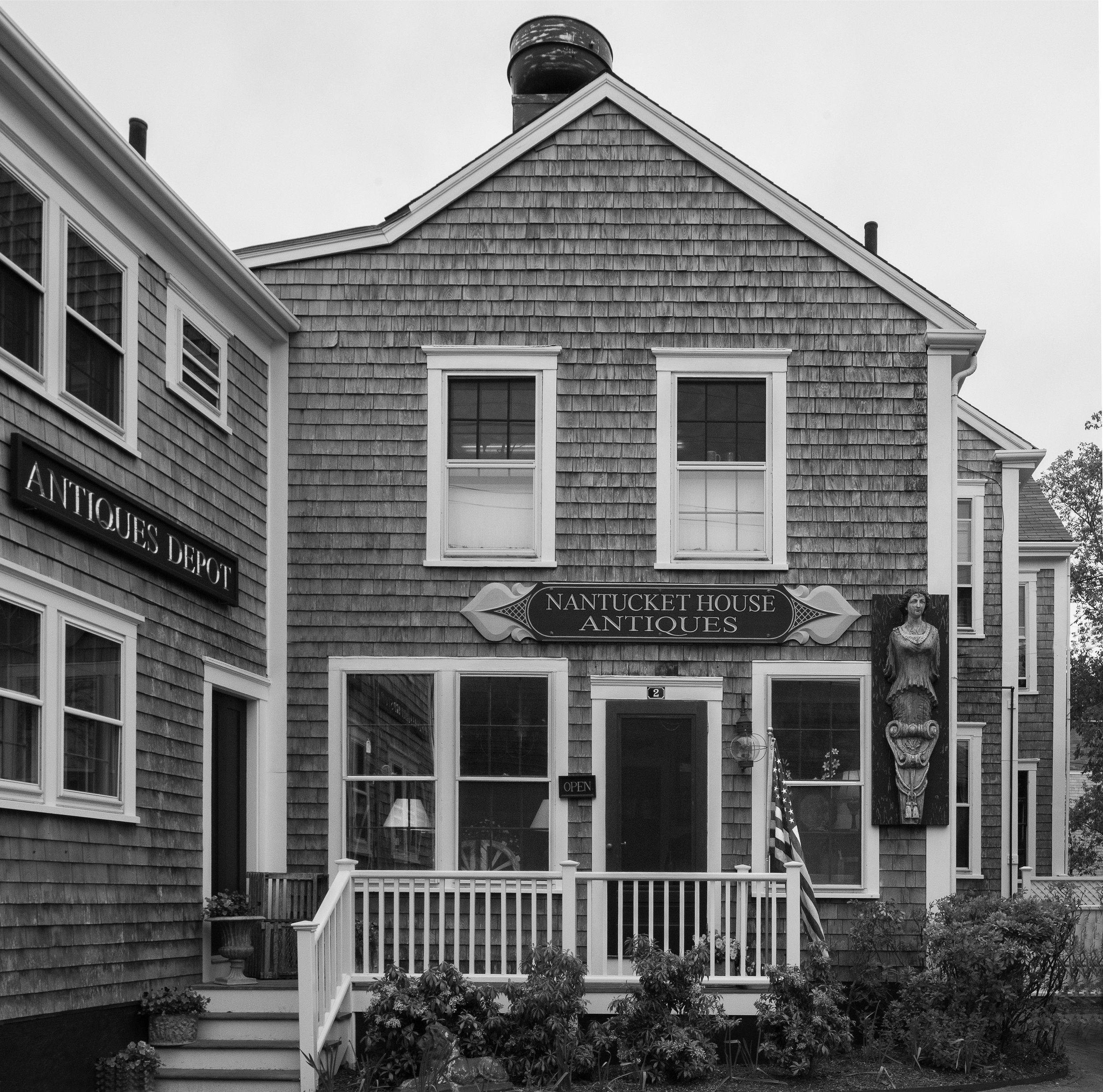 Nantucket House Antiques Store Exterior