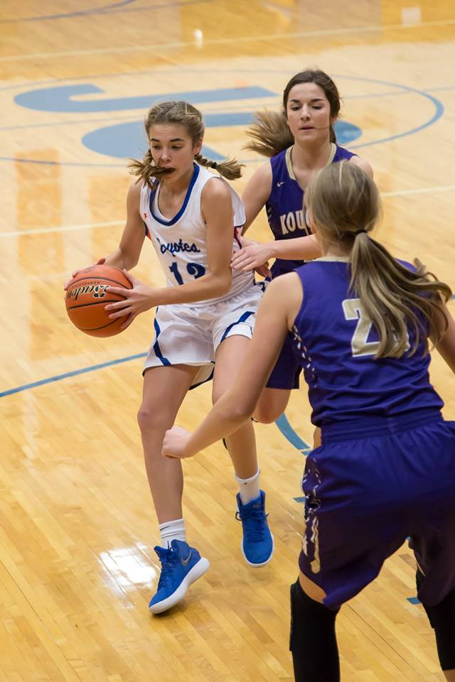 - Bendt has been a terror our west scoring 25.6 ppg and 11.4 rpg. But she has help* Kaylee Eisenbraun shoots 47 percent from the floor and averages 10 points/5 rebound and 4.2 steals per game* Senior Alyssa Civitak 8.6 ppg, 5.8 rpg and 5.4 assists per contest.