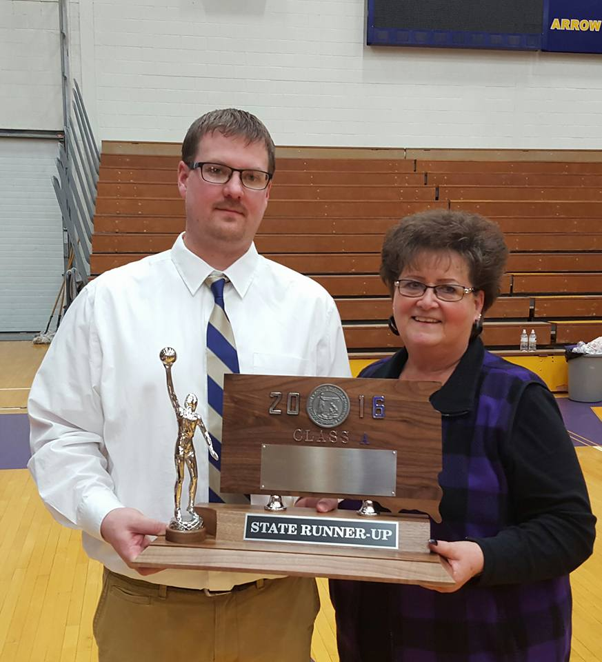 - While most of South Dakota probably knows Winner football coach Dan Aaker, they might not be so familiar with younger brother Larry Aaker who is an absolute coaching BEAST for Winner.Larry is an assistant football coach, in charge of a driven Winner squad, and in the spring, head coach of the Winner track program.