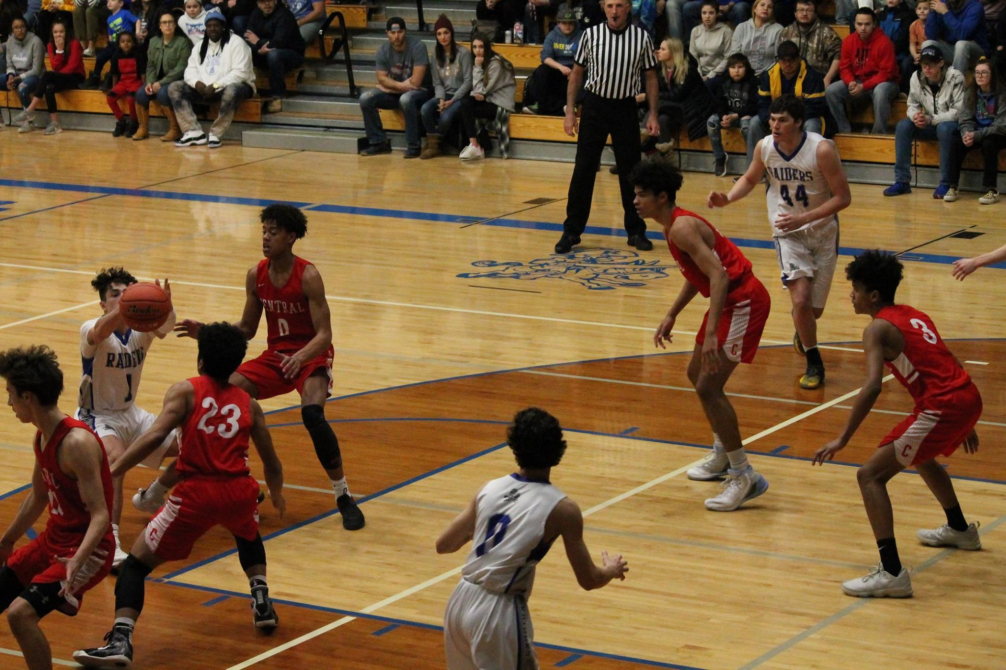 - 6-foot-6 F, Isaac Williams is in his 2nd season with the Sacred Hoops AAU Program.TJ Hay's RC Central Cobblers had an 8-12 regular season and will be looking to make that next leap into the upper echelon's of the AA ranks!
