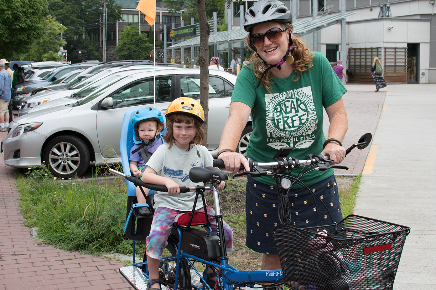 Brattleboro's Abby Mnookin and her two daughters on her e-assist Bike Friday Haul-a-Day. Photo: V-Bike