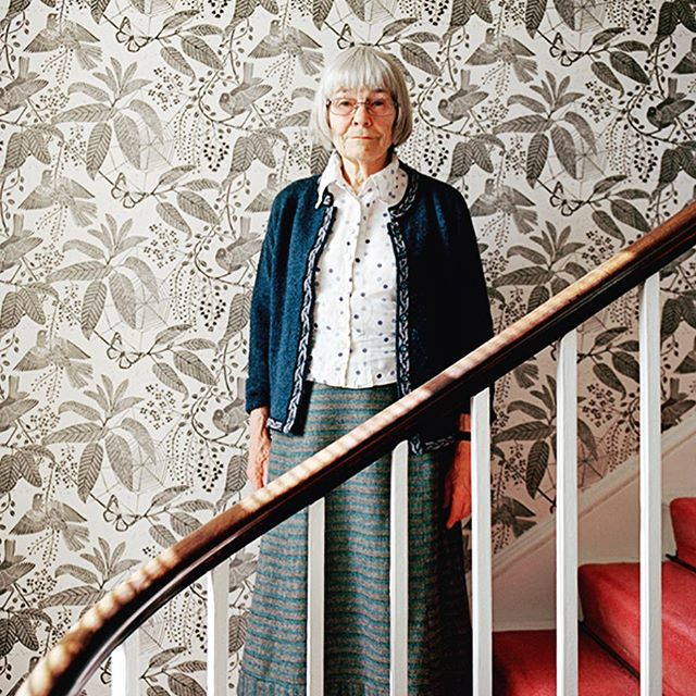 I can't contain my excitement to finally work with Marthe Armitrage for wallpaper in our new house. Here is to hoping that I'm still designing at 80. ✨✨✨ #caitlinmoraninteriors #marthearmitage #wallpaper
