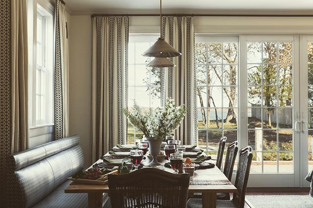 A pretty scene for a summer lunch. I love this dining room we designed on the East Coast for the nicest of families ✨✨ 📷: @laurejoliet builder and table maker: @frametechs_inc  #caitlinmoraninteriors #summer #interiordesign