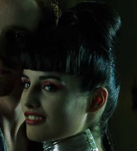 "7 minutes - it's getting difficult to keep my upper lip down and my front teeth are drying out. I wonder if I resemble the ""follow the white rabbit"" lady from The Matrix (see photo) whose upper lip is so drawn back she has to concentrate really hard on making"