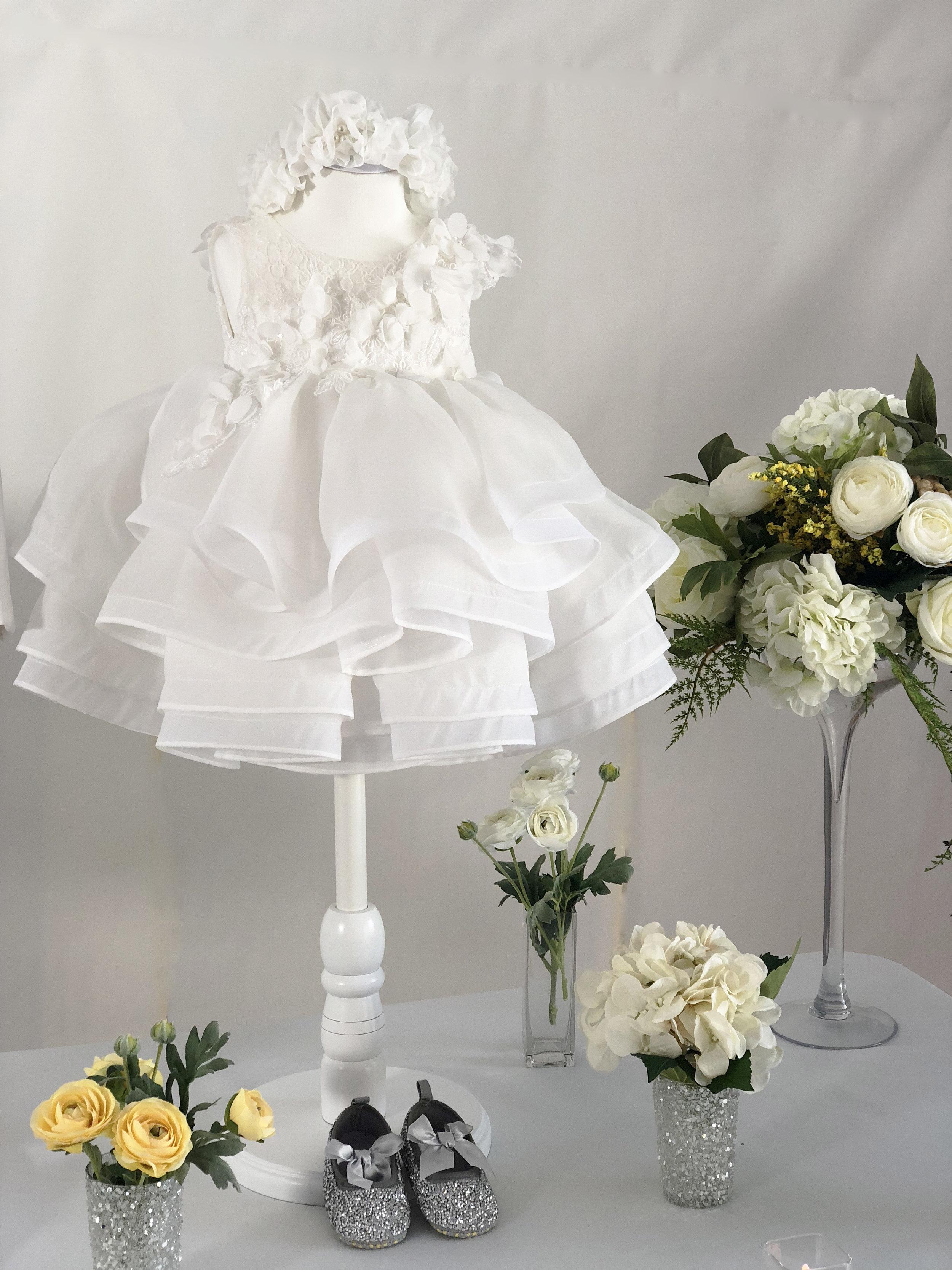 언발란스 화이트 플로랄 드레스(Unbalanced white floral dress)