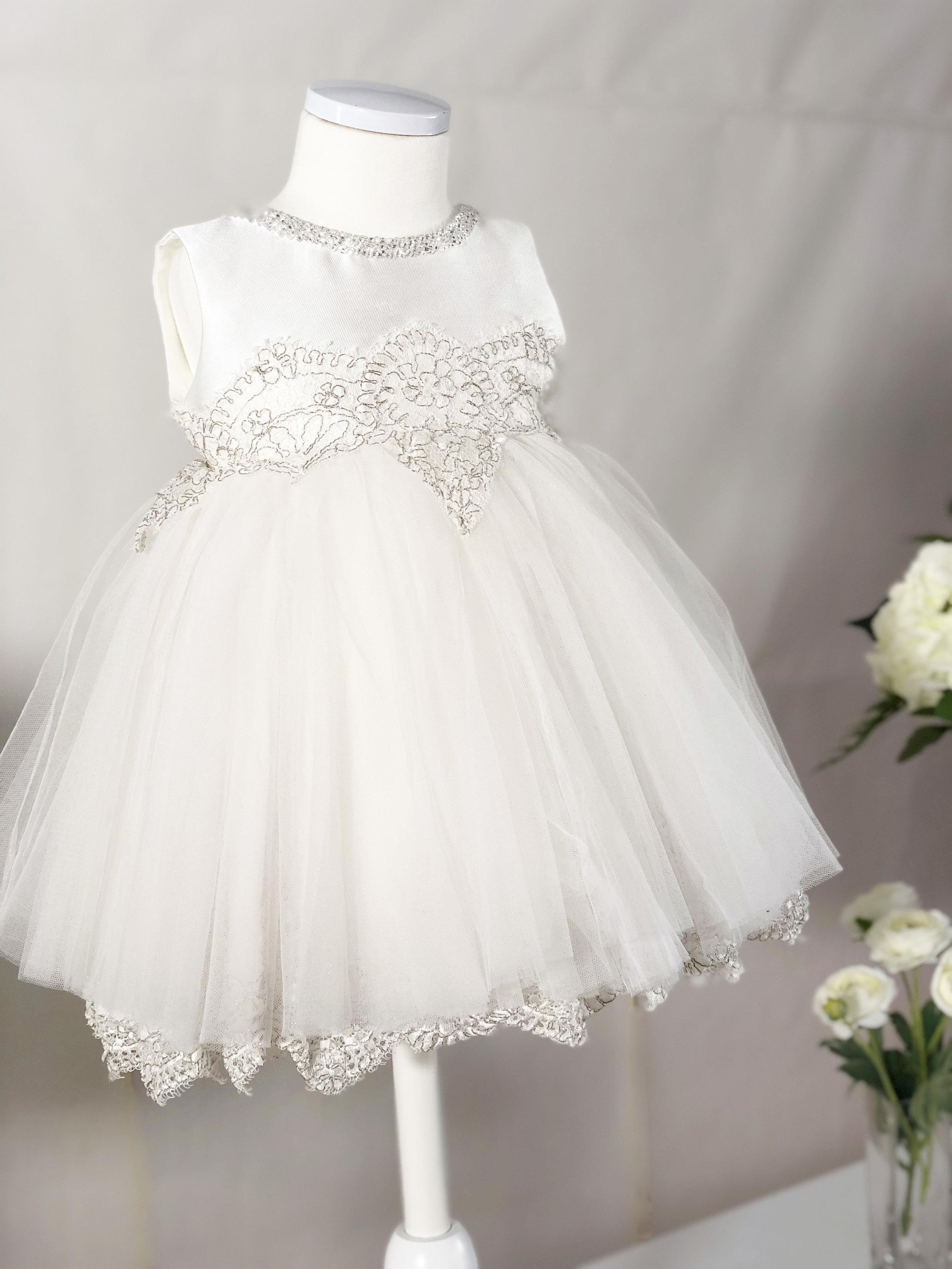 화이트 실버 드레스(White silver dress)