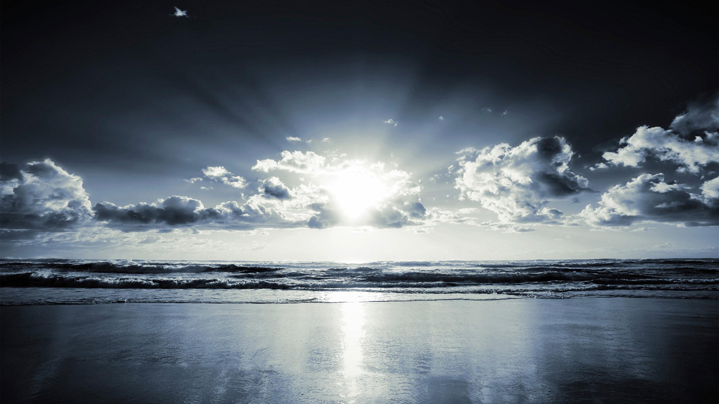 2-sunbeams-on-sea.jpg