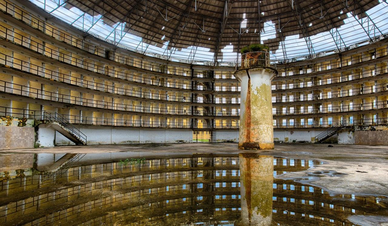 abandoned-prison-in-cuba-031.jpg