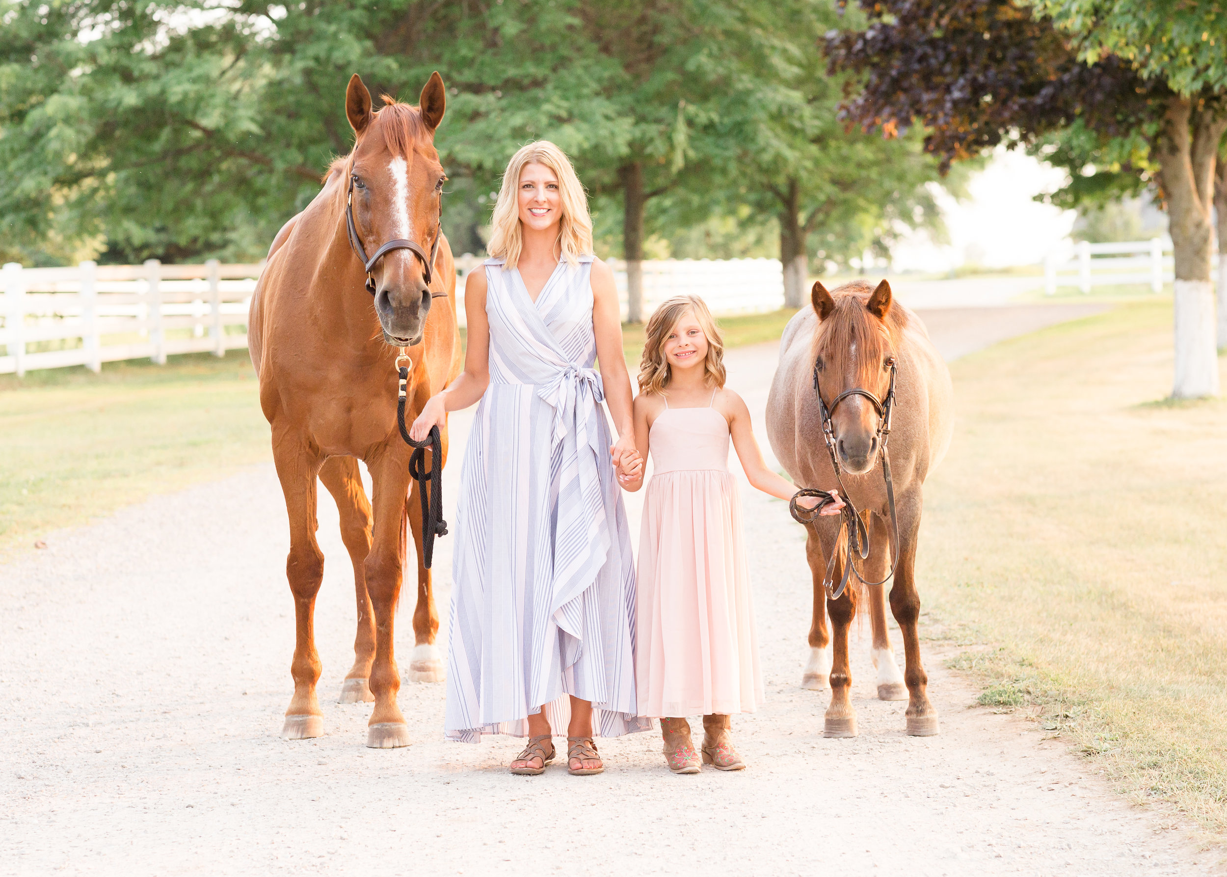 Family Photos with horses wisconsin