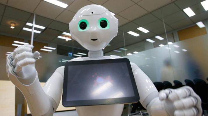 robot-assistant.jpg