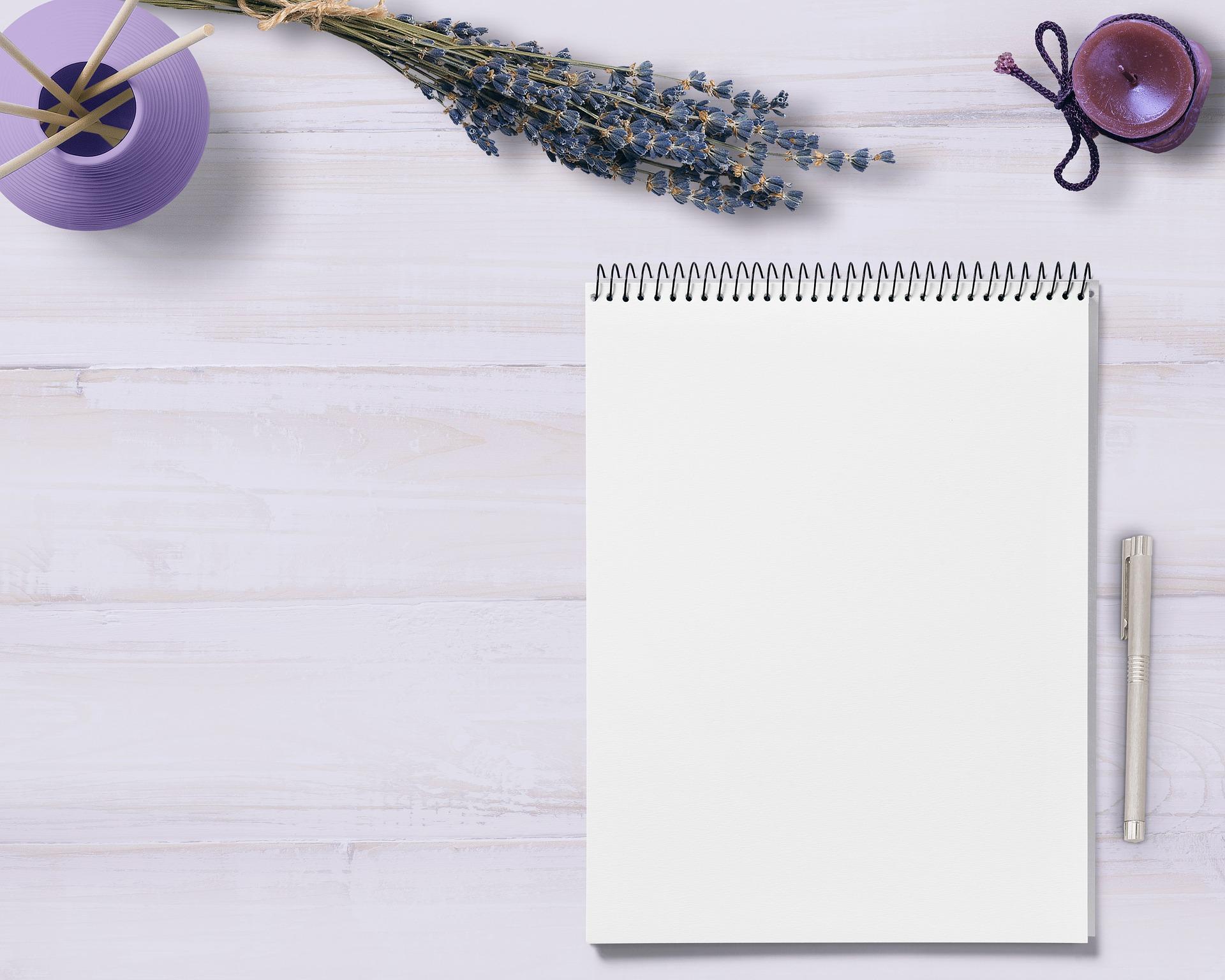 notepad-3297994_1920 (1).jpg