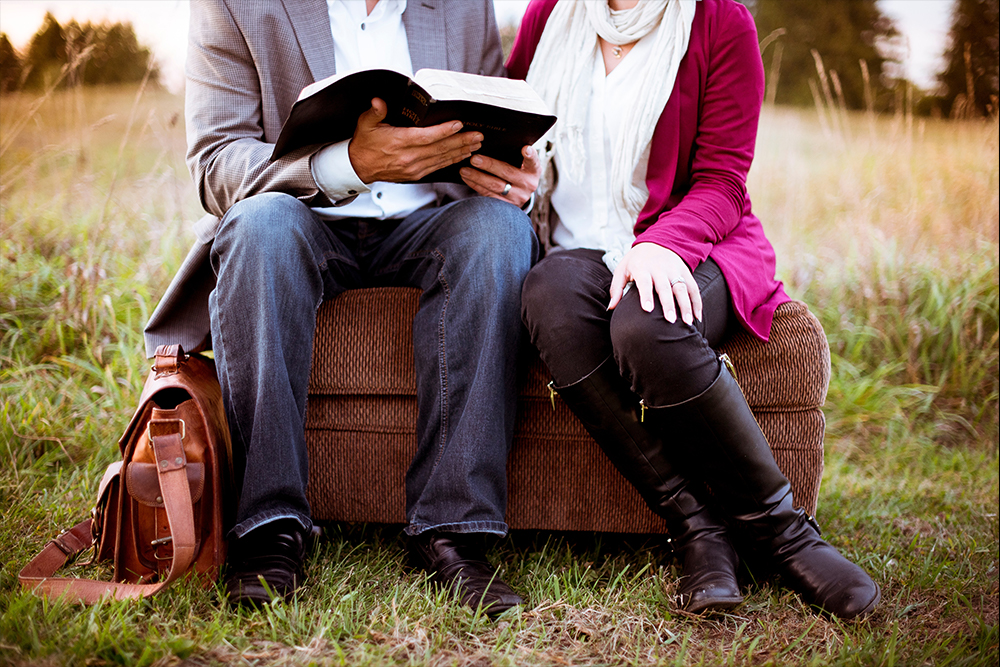 Couple-Sitting-Reading.jpg