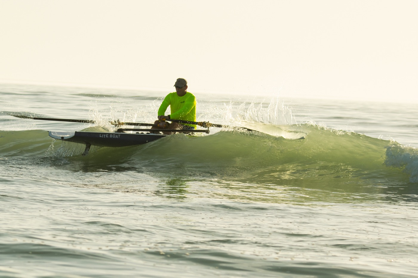 LiteRace 1X - Look at that oar slicing into the wave, this was a great shot!