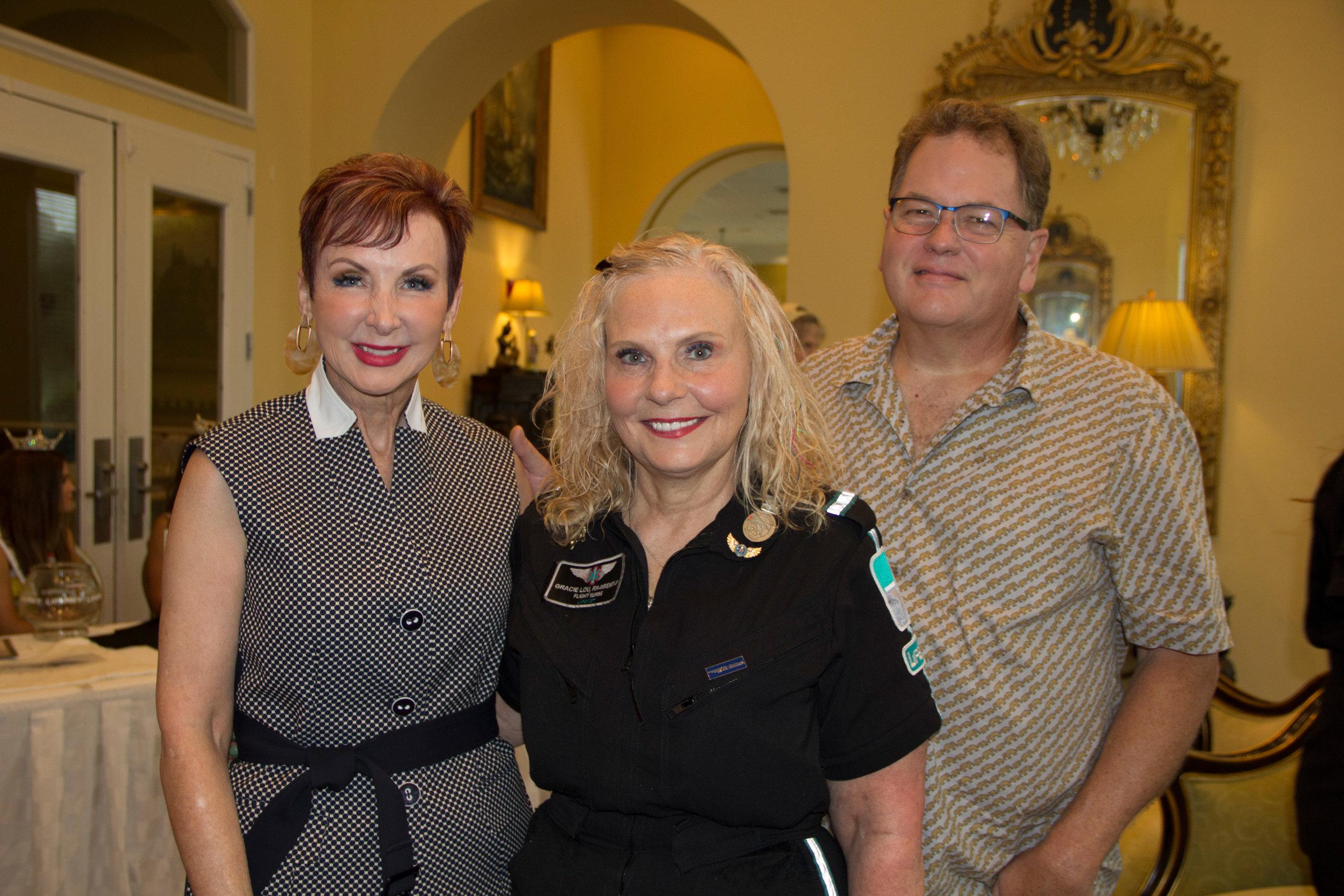 Lenna O'Dell, Gracie Lou Murphy and Craig Knapp