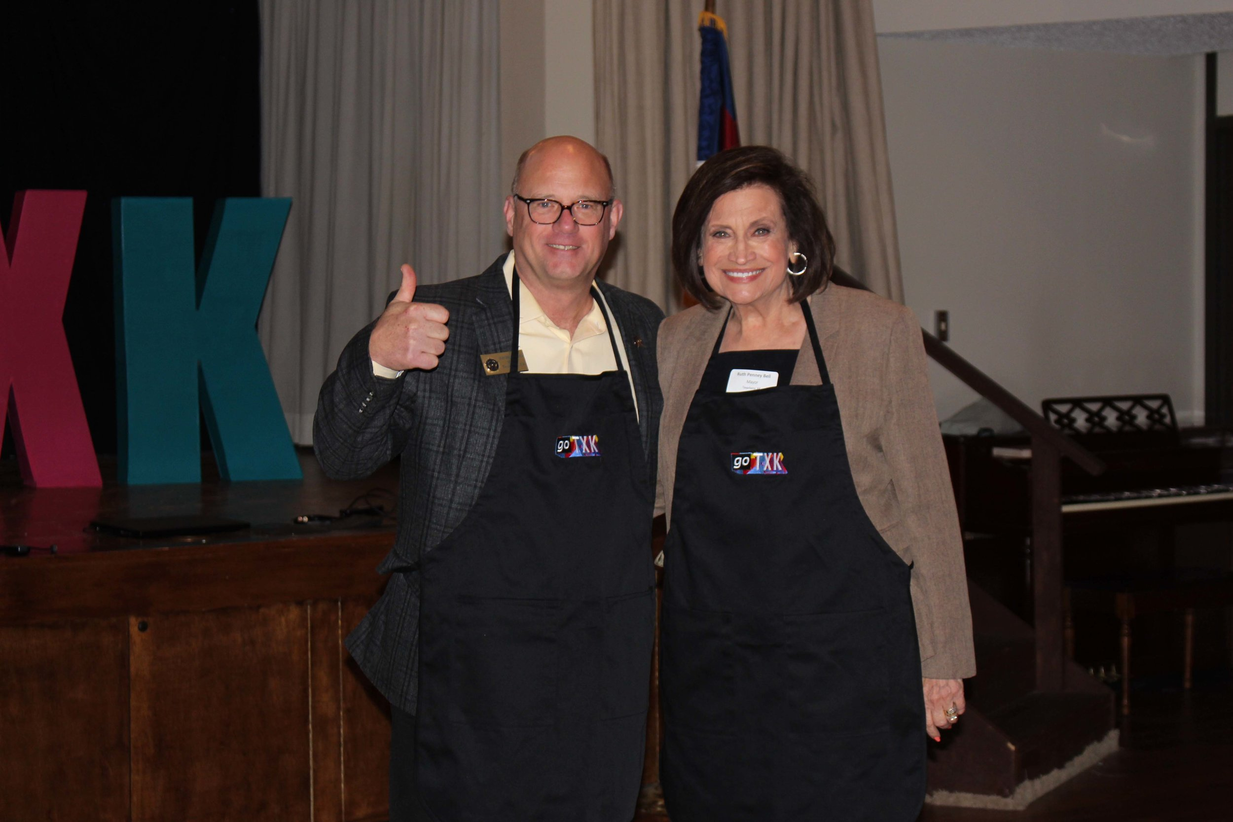 Mayor Bob Bruggeman and Ruth Penney Bell