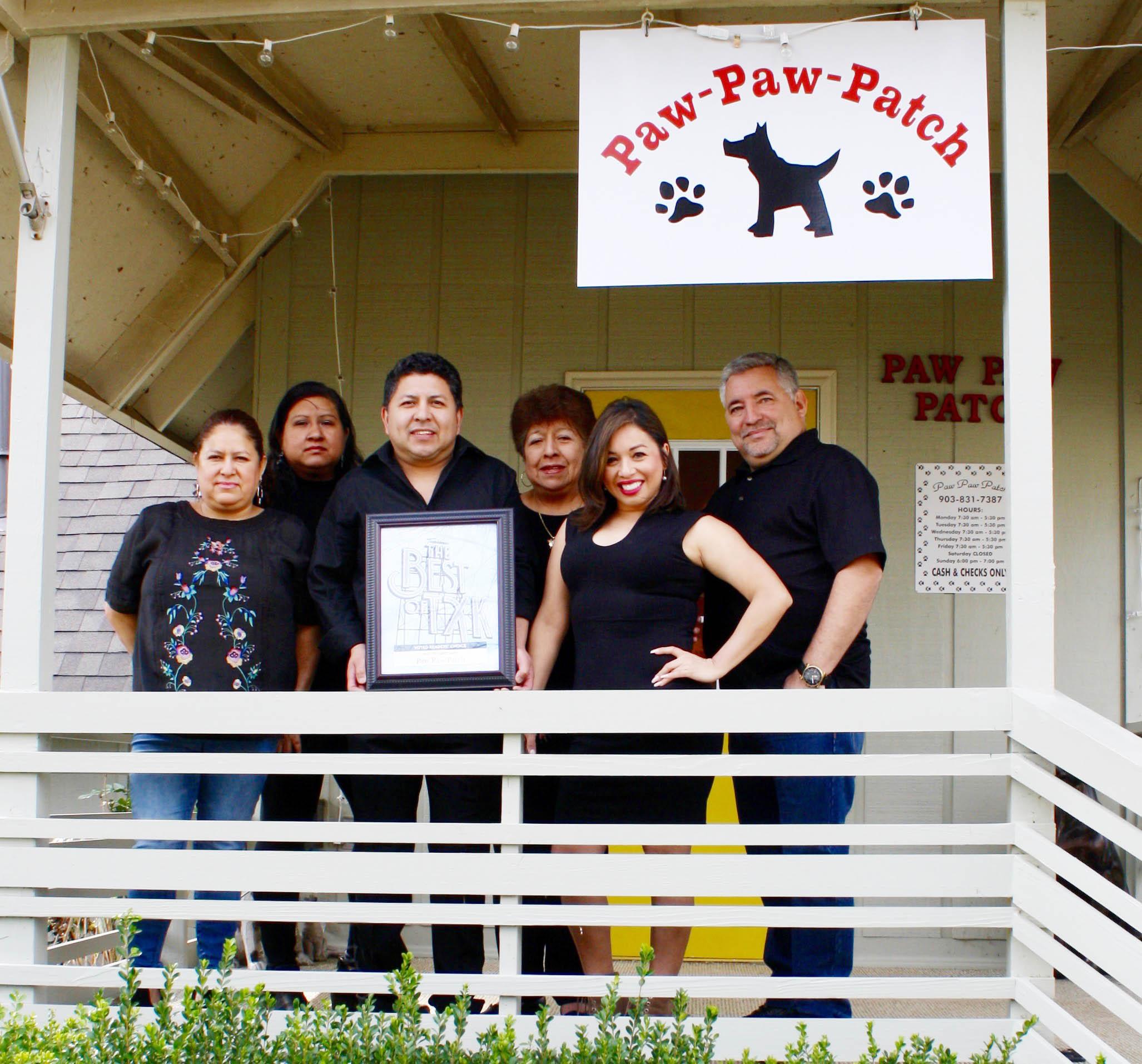 PAW PAW PATCH – Consuelo Gonzalez, Teresa Leyva, Tavo Cruz, Coco Morales, Marta Rea and Roly Yanes
