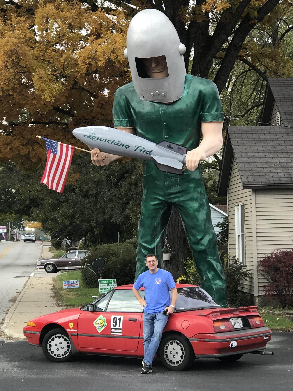 Gemini Giant: Space Age Muffler Man in Wilmington, Illinois