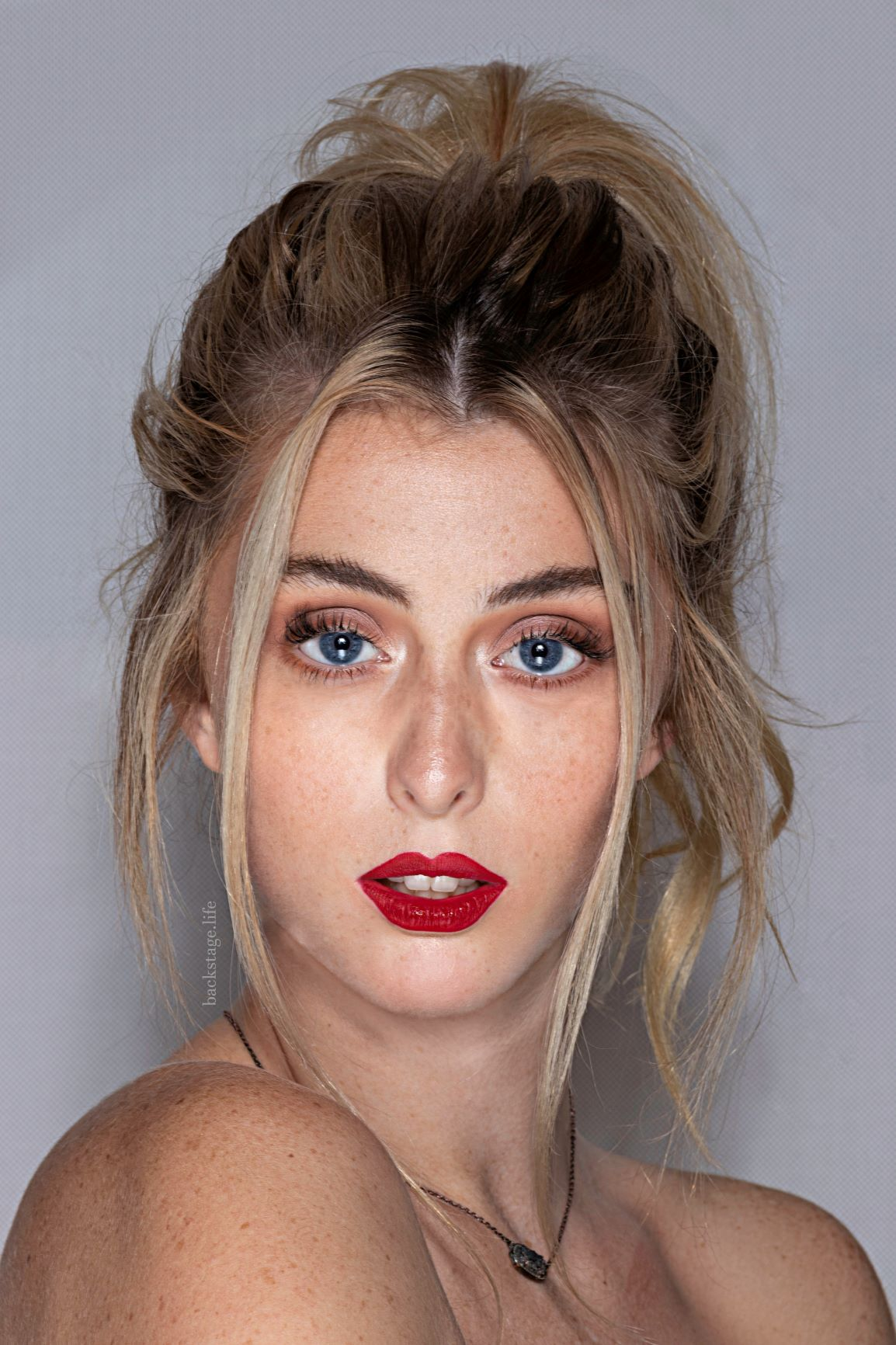 SLICK ON A FRESH RED LIPSTICK   Nothing dresses you faster than a swipe of red lipstick. Fill in your lips with a red lipliner, then apply a lipstick or liquid lipstick on top. This extra step will help the hue last all night.