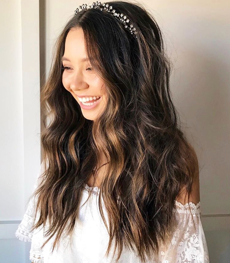 How to wear a wedding tiara