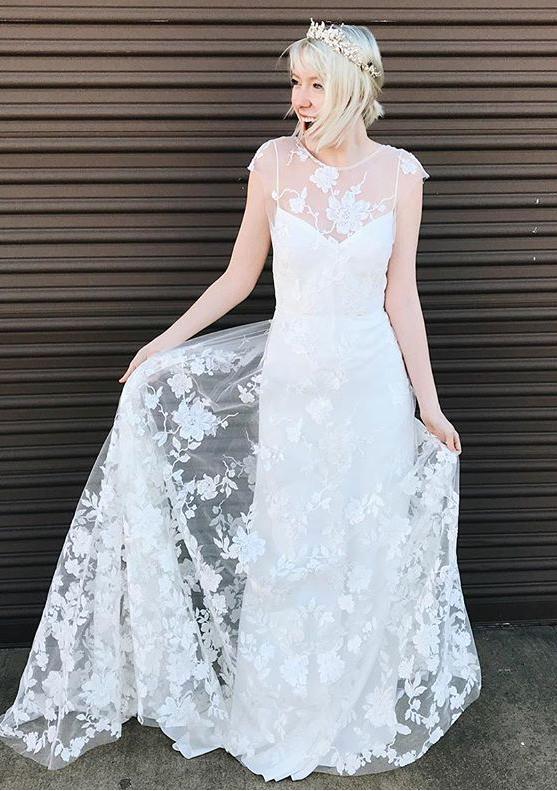 How to wear a wedding tiara