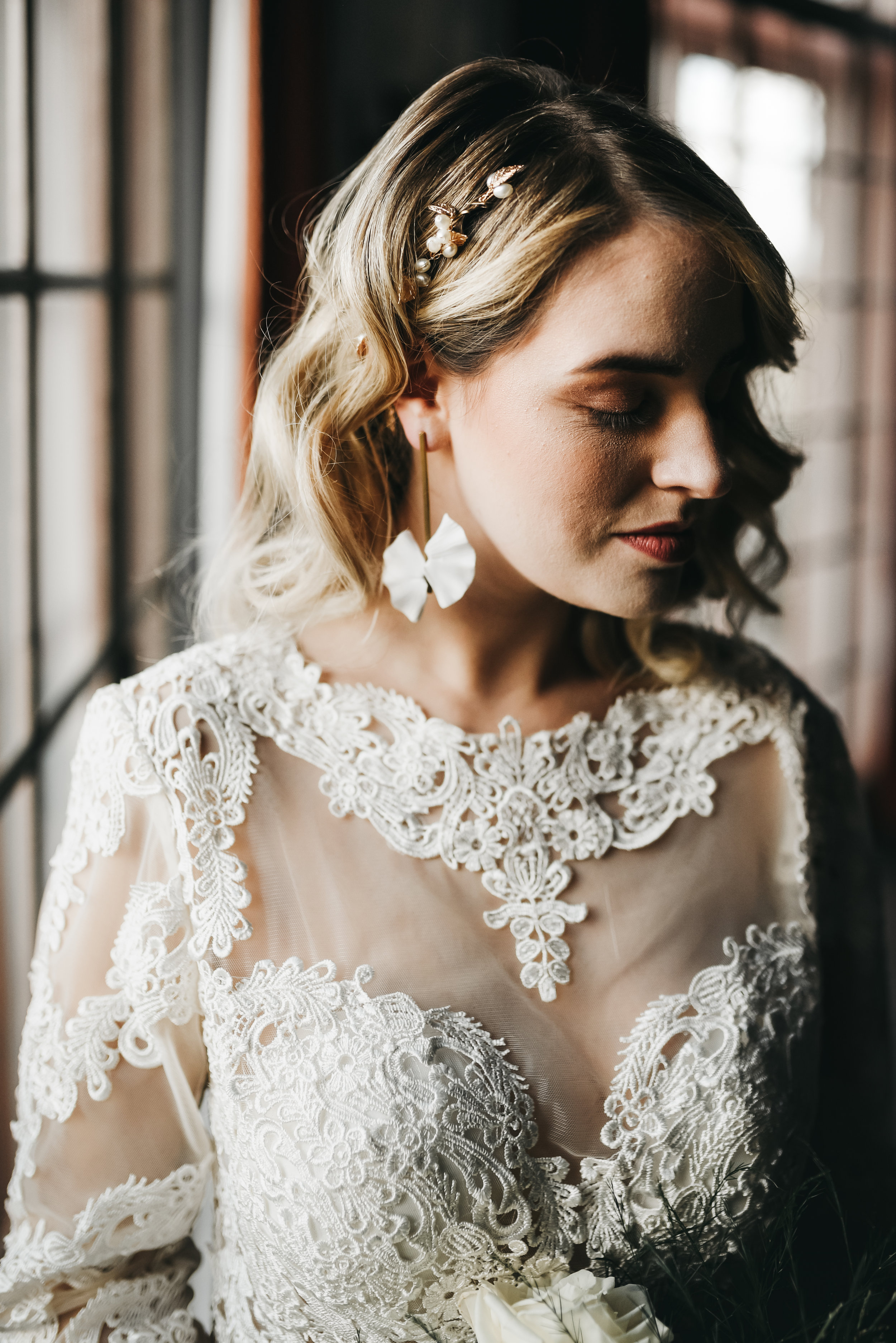 bridal statement headpiece and earrings
