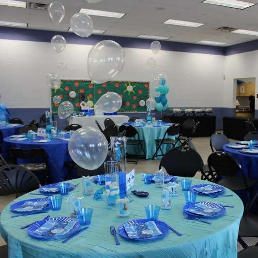 CRINKLE TAFFETA TABLECLOTH   Colors Available: White, Mint, Royal Blue, Gold, Champagne, Grey, Blush Pink, Black.    Contact us for pricing & availability