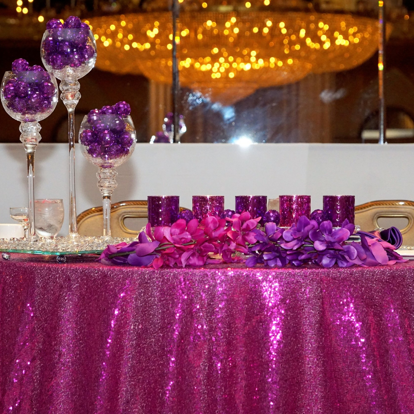 SEQUIN TABLECLOTH (MULTIPLE SIZES)   Colors Available: White, Gold, Silver, Mint, Blush Pink, Fuchsia, Royal Blue, Red, Purple.     Contact us for pricing & availability