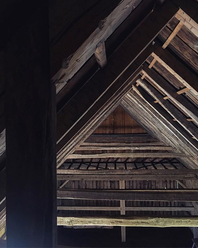 Visiting a new client yesterday way way upstate made my Grand Design fantasies wake up and rumble again. I got to wander and scout around a bunch of beautiful restored barns and buildings. Architecture porn and inspiration overload. Love my job. ⠀⠀⠀⠀⠀⠀⠀⠀⠀