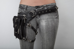 The waist pouch: it never leaves me