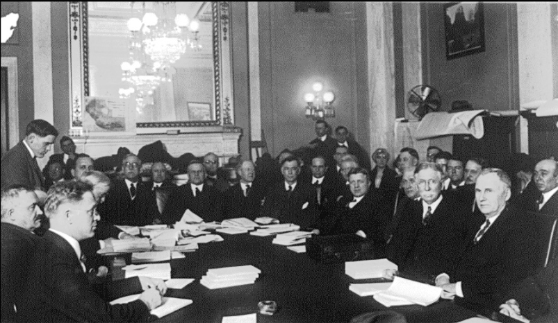 Oil businessman Edward L. Doheny (at table, second from right) testifying before the Senate committee investigating the Teapot Dome oil leases, 1924