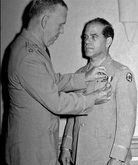 Frank Capra receiving the Distinguished Service Medal from U.S. Army Chief of Staff General George C. Marshall, 1945