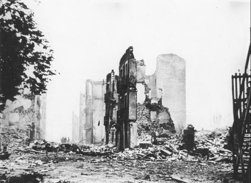 Ruins of Guernica (1937). The Spanish Civil War was one of Europe's bloodiest and most brutal civil wars. Bundesarchiv, Bild 183-H25224 / Unknown / CC-BY-SA 3.0