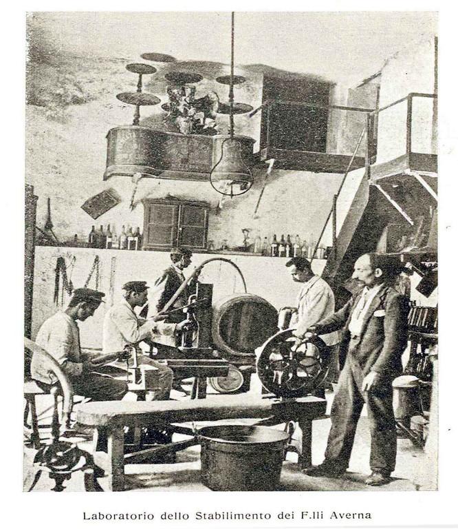 Averna Bros Laboratorio_dello_Stabilimento_dei_F.lli_Averna_di_Caltanissetta,_1911_-_san_dl_SAN_IMG-00001330.jpg