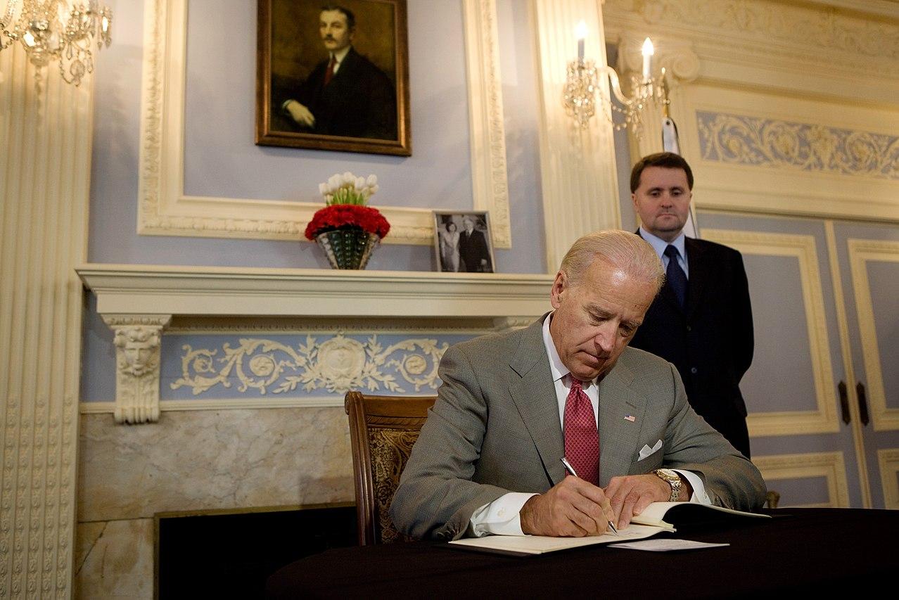 U.S. Vice-President Joe Biden writes a diplomatic message of condolence regarding the death of Polish President Lech Kaczyński.  The White House - https://www.flickr.com/photos/whitehouse/4521473331/