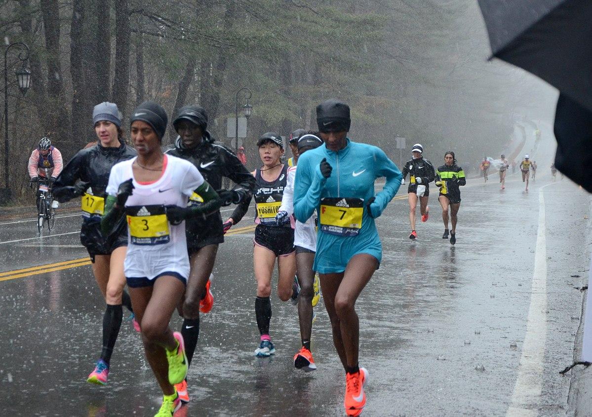 Boston Marathon 2018 lead women.